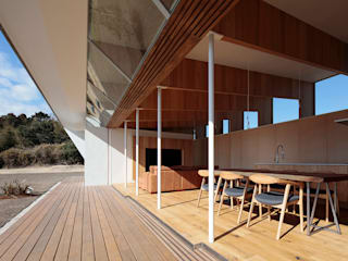 Terrasse de style  par 桑原茂建築設計事務所 / Shigeru Kuwahara Architects, Scandinave