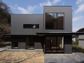 北鎌倉の家 モダンな 家 の 桑原茂建築設計事務所 / Shigeru Kuwahara Architects モダン
