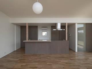 小田原の家: 桑原茂建築設計事務所 / Shigeru Kuwahara Architectsが手掛けたキッチンです。