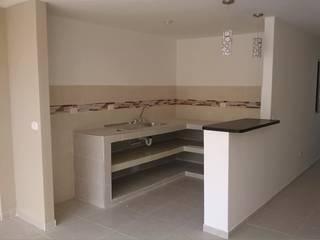 Modern kitchen by EcoDESING S.A.S DISEÑO DE ESPACIOS CON INGENIO Modern