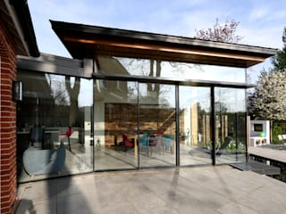 Project: No.10 Modern Windows and Doors by IQ Glass UK Modern