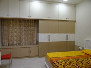 Ground floor Master bedroom wardrobe:  Bedroom by Hasta architects