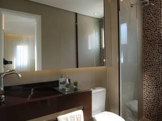 Moderne badkamers van Pricila Dalzochio Arquitetura e Interiores Modern