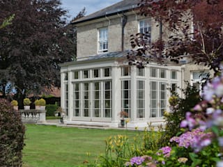 Grand Orangery on a Georgian Country Home Konservatori Klasik Oleh Vale Garden Houses Klasik
