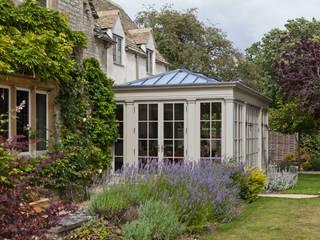 Kitchen Extension Conservatory on a Country Home Konservatori Klasik Oleh Vale Garden Houses Klasik