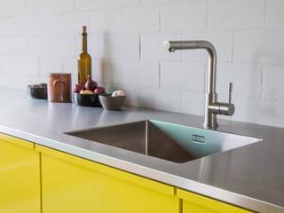 Modern Kitchen by Popstahl Küchen Modern