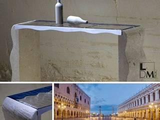 Venice di Laura Bello - LDM Italia:  in stile  di Laboratorio del Marmo