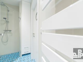 Mieszkanie Warszawa, Grójecka Nowoczesna łazienka od Pogotowie Projektowe Aleksandra Michalak Nowoczesny