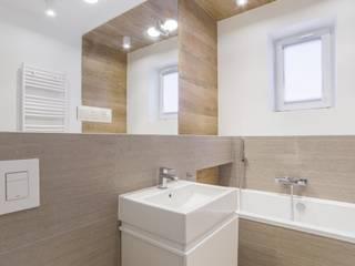 Mieszkanie Warszawa, Ochota Skandynawska łazienka od Pogotowie Projektowe Aleksandra Michalak Skandynawski