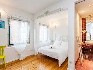 rustic Bedroom by alma portuguesa