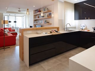 Modern kitchen by Molins Design Modern