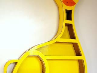 LA GIRAFE-Meuble en carton :  de style tropical par Les cARTons de Sophie , Tropical