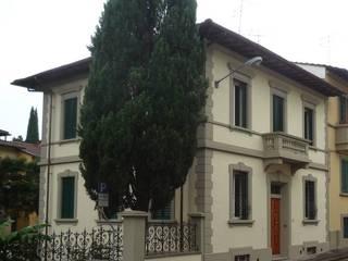 Restauro e risanamento conservativo di Villa Case classiche di Architetto Serena Lugaresi Classico