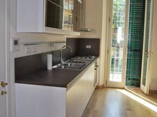 Restauro e risanamento conservativo di Villa Cucina in stile classico di Architetto Serena Lugaresi Classico