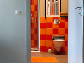 Finchstudio Modern style bathrooms Orange