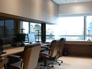 Офисы и магазины в . Автор – Bibiana Menegaz - Arquitetura de Atmosfera, Модерн