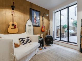 modern Bedroom by FORT & SALIER