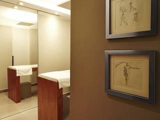 Clínicas de estilo moderno de Elisa Vasconcelos Arquitetura Interiores Moderno