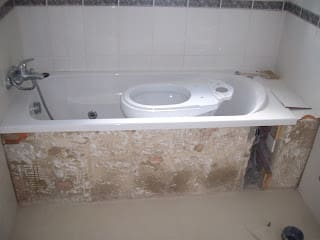 Minimalist bathroom by Atádega Sociedade de Construções, Lda Minimalist