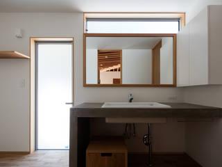 安並の家 TENK ミニマルスタイルの お風呂・バスルーム