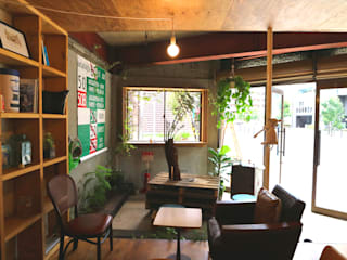 Offices & stores by INTERIOR BOOKWORM CAFE, Eclectic