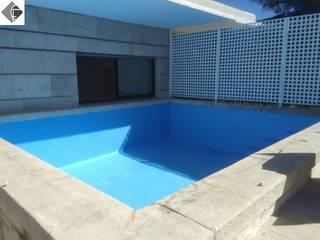 Arreglo de piscina: Piscinas de estilo  de Fecofer, Proyectos y Reformas