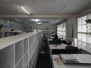 空間芸術研究所/vectorfield architects Ⅱ: 空間芸術研究所/vectorfield architectsが手掛けたオフィススペース&店です。,モダン