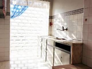 Remodelação Total Apartamento T2 Benfica - LIsboa:   por FourHouse - Obras e Serviços