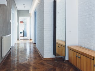 Industrial style corridor, hallway and stairs by Kraupe Studio Industrial