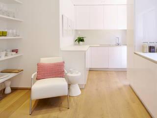 A perfeição é o limite Cozinhas minimalistas por FABRI Minimalista