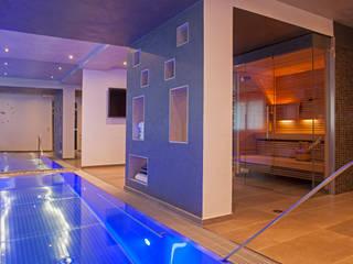 Spas de estilo moderno de Hesselbach GmbH Moderno