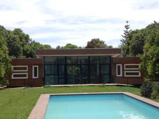 Cabaña Rossi : Casas de estilo  por Constructora CONOR Ltda - Arquitectura / Construcción