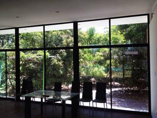 Cabaña Rossi : Comedores de estilo  por Constructora CONOR Ltda - Arquitectura / Construcción
