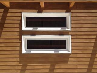 Detalle de fachada Casas estilo moderno: ideas, arquitectura e imágenes de Constructora CONOR Ltda - Arquitectura / Construcción Moderno