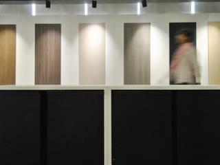 Spazio C Spazi commerciali moderni di Arch. Roberto Mallardo Moderno