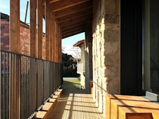 Country style houses by b+t arquitectos Country