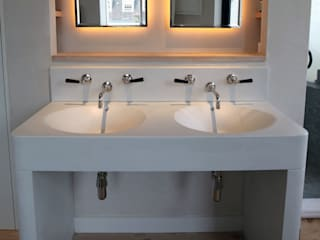 Large white concrete sink - Kensington, London Oleh Forma Studios Minimalis