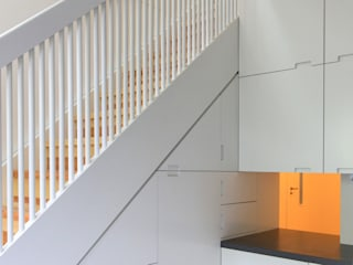 ilsensteinweg brandt+simon architekten Modern Kitchen White