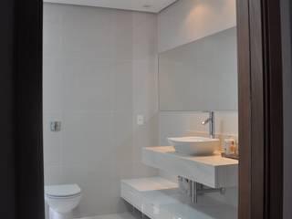 Clô Vieira Design de Interiores Kamar Mandi Modern