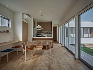 Modern dining room by toki Architect design office Modern Wood Wood effect