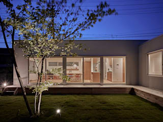 Giardino moderno di toki Architect design office Moderno