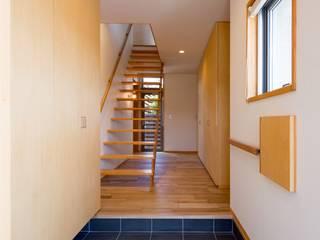 かみてつのいえ: 清建築設計室/SEI ARCHITECTが手掛けた廊下 & 玄関です。