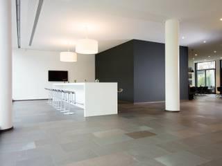 Edificios de oficinas de estilo  por Heinrich Quirrenbach Naturstein Produktions- und Vertriebs GmbH