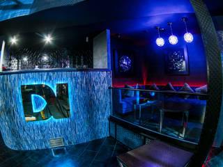 Проект ночного шоу клуба DOBERMAN от Art People Group Бары и клубы в эклектичном стиле от Art People Group Эклектичный