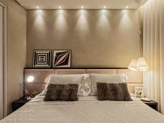 Camera da letto moderna di LEDS Arquitetura Moderno