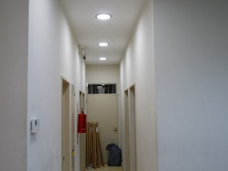 Iluminación LED, Banco Provinciao Interior y Marquesina, todo con LEDs:  de estilo  por Iluminación LED