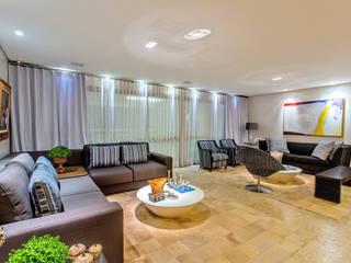 现代客厅設計點子、靈感 & 圖片 根據 Roberta Rennó Arquitetura 現代風