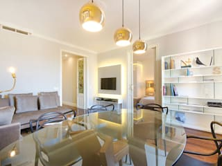 Apartamento Turístico Barcelona 2014: Salones de estilo  de DELATORRE-HAUSMANN INTERIORISTAS