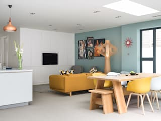 'Modernity in the woods' - North London residential refurbishment SWM Interiors & Sourcing Ltd 餐廳