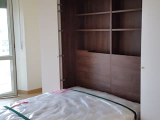 SIZEDESIGN SMART KITCHENS & LIVING BedroomWardrobes & closets Kayu Buatan Beige